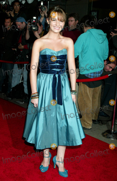 Addison Timlin Photo - the Premiere of Derailed at the Loews Lincoln Square Theater New York City 10-30-2005 Photo by Sonia Moskowitz-Globe Photosinc Addison Timlin