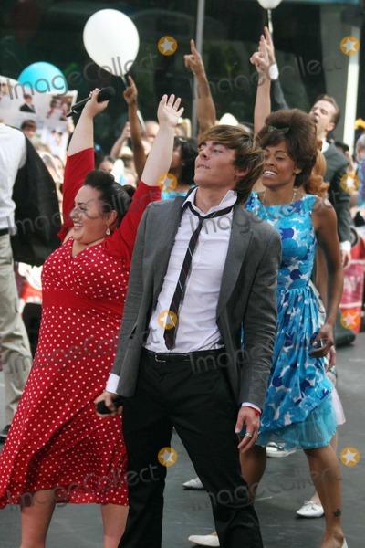 NICKY BLONSKY Photo - NBC Today Show Concert Cast of Hairspray Date 07-20-07 Photos by John Barrett-Globe Photosinc K53891jbb Nicki Blonsky Zac Efron