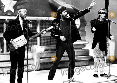 The Bee GEES Photo - The Bee Gees Maurice Barry and Robin Gibb CpGlobe Photos Inc Beegeesretro
