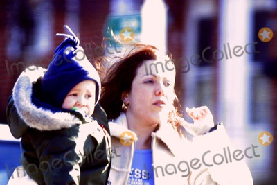 Amy Fisher Photo - Amy Fisher and Son Brave the Cold in Long Island  New York City 1252003 Photo John Barrett Globe Photos Inc 2003 Amy Fisher Exclusive Exclusive Please Call For Rates