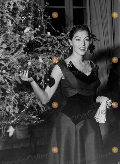 Ava Gardner Photo - Ava Gardner in Her House For Christmas at Rome Supplied by Globe Photos Inc