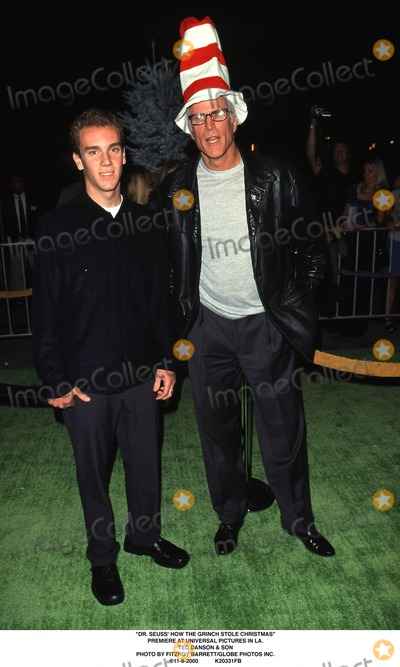 The Grinch Photo - Dr Seuss How the Grinch Stole Christmas Premiere at Universal Pictures in LA Ted Danson  Son Photo by Fitzroy BarrettGlobe Photos Inc 11-8-2000