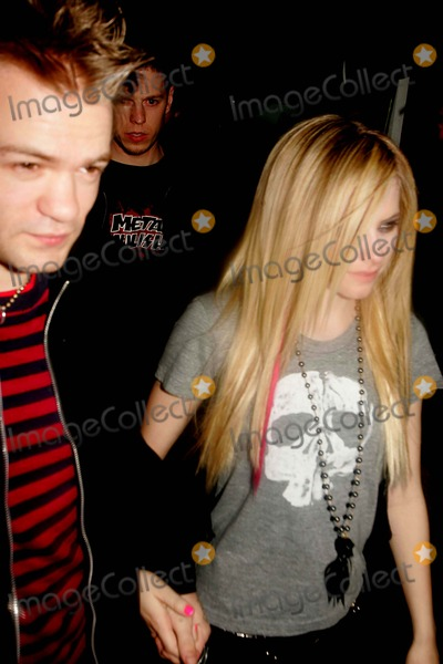 AVRIL LEVIGNE Photo - Saturday Night Live After Party Havana Central New York City 04-14-2007 Photo by Rick Mackler-rangefinder-Globe Photos Inc 2007 Avril Levigne and Husband