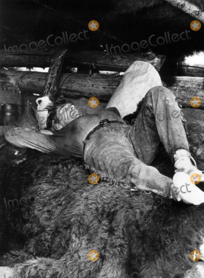 Robert Mitchum Photo - Robert Mitchum Photo John R HamtilonGlobe Photos Inc