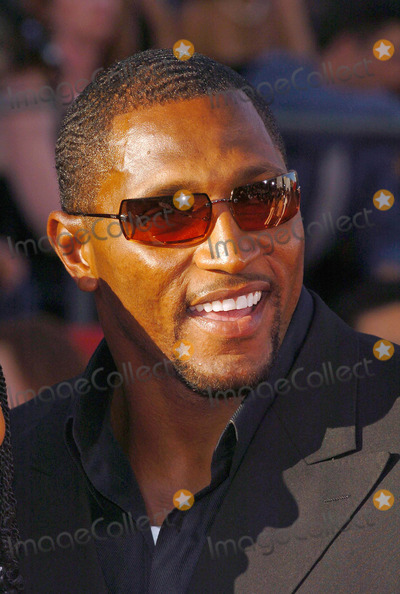 Ray Lewis Photo - 12th Annual Espy Awards - Arrivals at Kodak Theatre Hollywood Califronia 07142004 Photo by Fitzroy BarrettGlobe Photos Inc 2004 Ray Lewis