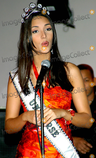 Amelia Vega Photo - the Newly Crowned Miss Universe 2003 Amelia Vega at the Legendary New York Nightclub the Copacabana in New York City 6102003 Photo Byrick MacklerrangefindersGlobe Photos Inc