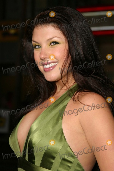 Jane Monheit Photo - Sky Captain and the World of Tomorrow World Premiere at Graumans Chinese Theater Hollywood CA 09142004 Photo by Kathryn IndiekGlobe Photos Inc2004 Jane Monheit