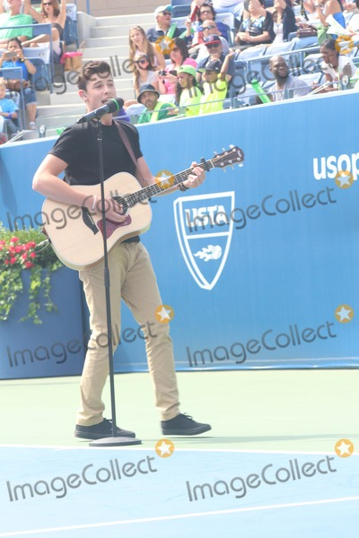 Shawn Mendes Photo - Shawn Mendes Attend 2014 Arthur Ashe Kids Day at Usta Billie Jean King National Tennis Center on 8232014 in Flushing
