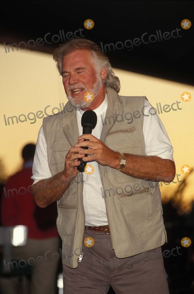 Kenny Rogers Photo - Kenny Rogers Rehearsal For Memorial Day Concert-washington DC 05251996 K5137jkel Photo by James M KellyGlobe Photos Inc