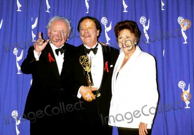 Carroll OConnor Photo - 48th Annual Emmy Awards Jean Stapleton_carroll Oconnor_rip Torn Photo by Ned Redway-Globe Photosinc Jeanstapletonretro