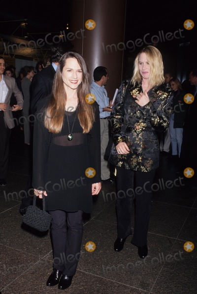 Amy Madigan Photo - Holly Hunter with Amy Madigan 1993 L7016lr Photo by Lisa Rose-Globe Photos Inc