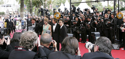 Atom Egoyan Photo - Festival DE Cannes 2005 Film  Where the Truth Lies  Premiere Act Atom Egoyan  Rachel Blanchard  Kevin Bacon  Colin Firth and Robert Lantos 5-14-2005 Photo Byfred Santos-omedias-Globe Photos Inc