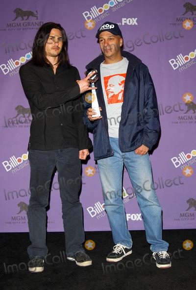 Audioslave Photo - Billboard Music Awards 2003 Press Room at the Mgm Grand Hotelcasino Las Vegas Nevada 12102003 Photo by Fitzroy BarrettGlobe Photos 2003 Audioslave