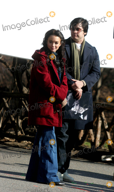 Jared Leto Photo - Filming of Chapter 27 in Central Park Date 02-02-06 Photo by John Barrett-Globe Photosinc Lindsay Lohan and Jared Leto