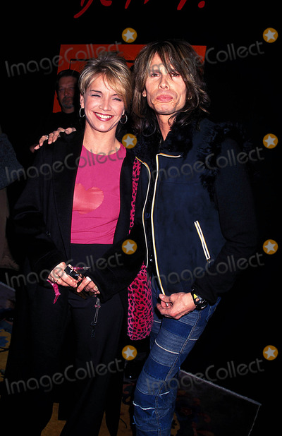 Aerosmith Photo - Steven Tyler (Aerosmith) Photo Rose Hartman  Globe Photos Inc