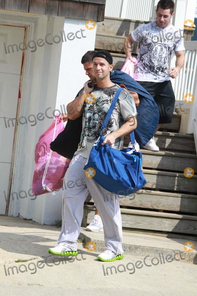 Mike The Situation Sorrentino Photo - Mike the Situation Sorrentino Ronnie Oritz Magro Filming Jersey Shore Tv Show at Seaside Heights Beach New Jersey 08-26-2010 Photo by John BarrettGlobe Photos Inc2010