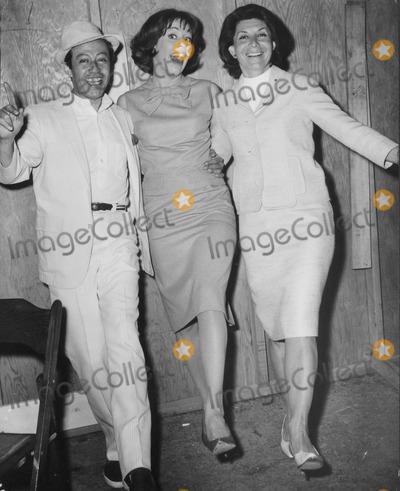 Adolph Green Photo - Adolph Green Carol Burnett and Betty Comden Globe Photos Inc Obit