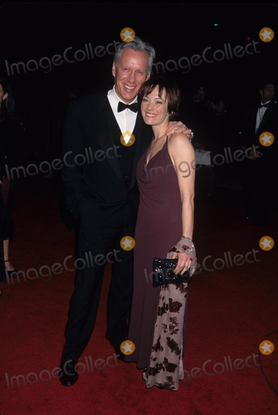 James Woods Photo - James Woods with Natasha Wagner at Peoples Choice Awards in Ca 1999 K14462lr Photo by Lisa Rose-Globe Photos Inc