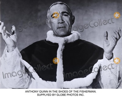 Anthony Quinn Photo - Anthony Quinn in the Shoes of the Fisherman Supplyed by Globe Photos Inc