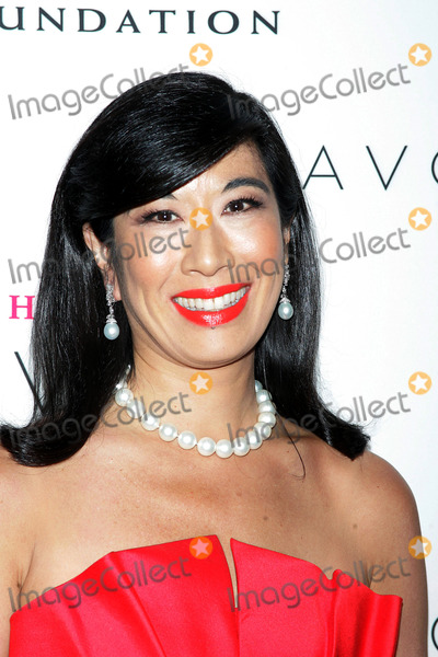 ANDREA JUNG Photo - Andrea Jung Chairman and Chief Executive Officer of Avon Products Inc Arrives For the 2008 Avon Foundation Awards Celebration the Hope Honors at Cipriani 42nd Street in New York on October 28 2008 Photo by Terry GatanisGlobe Photos Inc