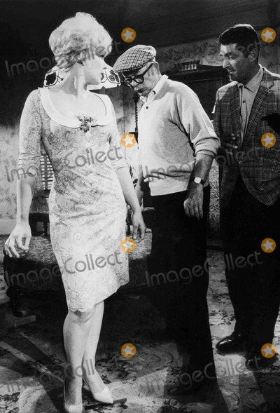 Kim Novak Photo - During the Filming of Kiss ME Stupid Kim Novak Billy Wilder and Dean Martin Photo by Win MuldrowGlobe Photos Inc