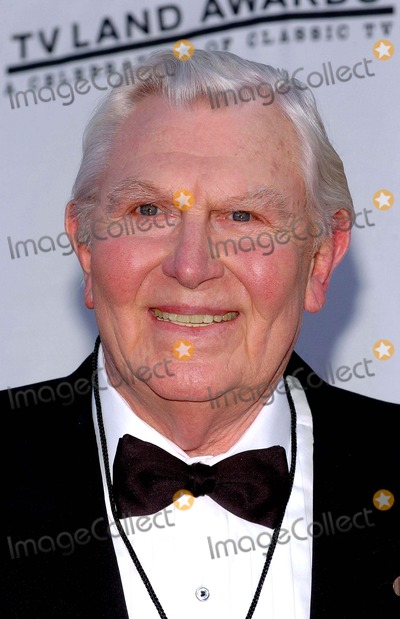 Andy Griffith Photo - Tv Land Awards a Celebration of Classic Tv at the Hollywood Palladium in Hollywood CA 03072004 Photo by Fitzroy BarrettGlobe Photos Inc 2004 Andy Griffith
