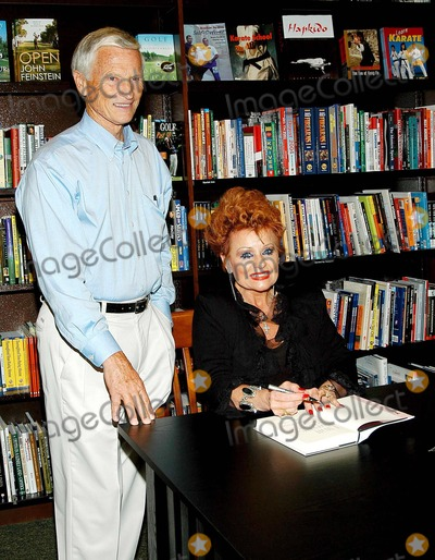 Tammy Faye Messner Photo - K32836JF - TAMMY FAYE MESSNER - SIGNING HER NEW BOOK - I WILL SURVIVEAND YOU WILL TOO - AT BARNES  NOBLE - THE GROVE LOS ANGELES CA - 09162003 - PHOTO BY JONATHAN FRIOLO  GLOBE PHOTOS INC  2003 - TAMMY FAYE MESSNER - FORMERLY BAKER AND HUSBAND ROE MESSNER