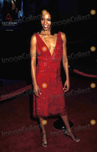 Betty Okino Photo - the Premiere of Aeon Flux at Cinerama Dome Theatre Hollywood CA 12-01-2005 Photo by Phil Roach-ipol-Globe Photos 2005 Betty Okino