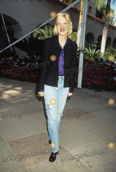 RITZ CARLTON Photo - Tori Spelling Cbs Winter Press Tour 1996 at Ritz Carlton in Pasadena  Ca 1996 K3604lr Photo by Lisa Rose-Globe Photos Inc