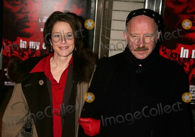 Arliss Howard Photo - NY Premiere of in My Country at the Beekman Theatre New York City 03-01-2005 Photo by Rick Mackler-rangefinder-Globe Photosinc Debra Winger_arliss Howard