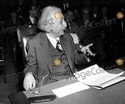Albert Einstein Photo - Albert Einstein January 11 1946 As Witness Before Anglo-american Commitee Involving Palestine Globe Photosinc