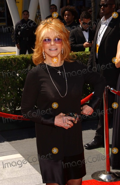 Ann-Margret Photo - Ann-margret the 2010 Primetime Creative Arts Emmy Awards Held at the Nokia Theatre Los Angeles 08-21-2010 Photophil Roach - Globe Photos Inc 2010