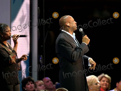 Donnie Mcclurkin Photo - Final Day of the Republican National Convention Madison Square Garden New York City 09022004 Photo by Bruce CotlerGlobe Photosinc Donnie Mcclurkin