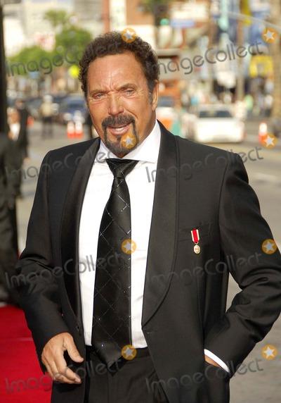 Tom Jones Photo - Sir Sean Connery Is Honored at the 34th Afi Life Achievement Award - Kodak Theater Hollywood California - 06-08-2006 Photo by Michael Germana-Globe Photos Inc 2006 Tom Jones
