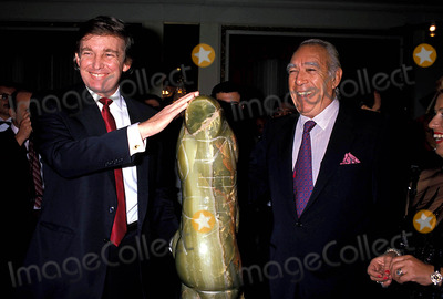 Anthony Quinn Photo - Donald Trump and Anthony Quinn Photo Bymichael FergusonGlobe Photos Inc 1989 Dtrumpmn