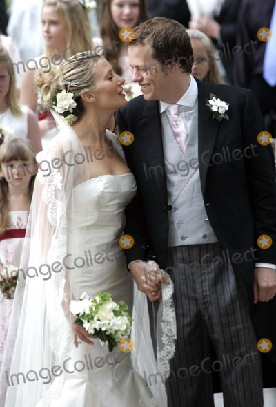 SARAH BUYS Photo - Tom Parker Bowles  Sarah Buys Wedding-stnicholas Church Rotherfield Greys Nrhenley-on-thames Oxfordshire England Uk Mark Chilton-globelinkukcom-Globe Photos Inc 001586 09-10-2005 Tom Parker Bowles  Sarah Buys
