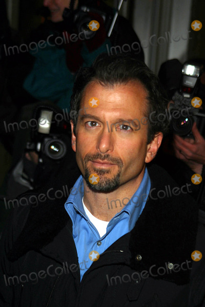 ANDREW JARECKI Photo - the 2004 New York Film Critics Circle 69th Annual Awards Dinner at Noche Restaurant in New York City 01112004 Photo by Rick MacklerrangefinderGlobe Photos Inc 2004 Andrew Jarecki