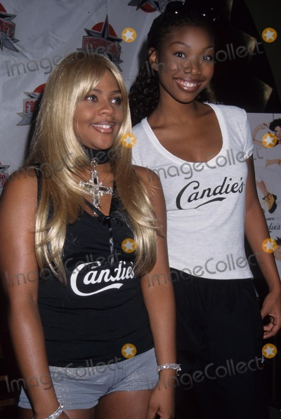 Lil Kim Photo - Brandy with Lil Kim Candies Unveils Fall Campaign Featuring Top Femake Recording Artists at Fashion Cafe 1998 K12894rh Aka Brandy Rayana Norwood Photo by Rose Hartman-Globe Photos Inc