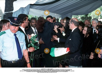 As Yet Photo - IMAPRESS PH  CLEMOT  BENITOFUNERAL OF PRINCESS LEILA PAHLAVI IN PARIS 16TH JUNE 2001 IN TOTAL BEREAVEMENT THE EX-EMPRESS OF IRAN FARAH PAHLAVI BURIED HER DAUGHTER IN THE PASSY CEMETERY IN PARIS LEILA PAHLAVI 31 PASSED AWAY A WEEK AGO IN LONDON THE OFFICIAL COMMUNIQUE WRITTEN BY HER MOTHER INDICATED THAT SHE PASSED AWAY IN HER SLEEP BUT THE EXACT CIRCUMSTANCES OF THE DEACEASED REMAIN AS YET UNKNOWNA HYSTERICAL ONLOOKER THROWS HERSELF INTO EMPRESS FARAHS ARMS BEFORE BEING LED OUT OF THE CEMETERYCREDIT IMAPRESSCLEMOTBENITOGLOBE PHOTOS INC