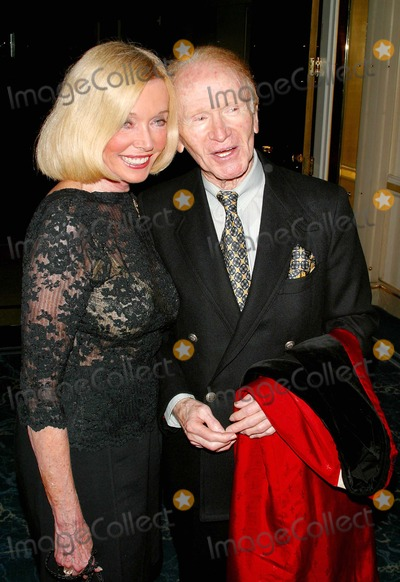 Jane Wooster Scott Photo - 20th Anniversary Breeders Cup Celebration at the Beverly Hilton Hotel Beverly Hills CA 10202003 Photo by Milan Ryba  Globe Photos Inc 2003 Red Buttons and Jane Wooster Scott