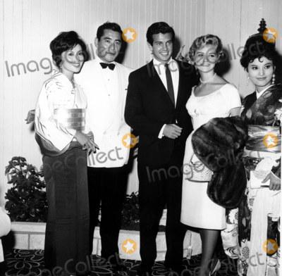 Toshiro Mifune Photo - Rikisha Premiere Kumi Mizuno_toshiro Mifune_mark Damon Alana Ladd_misao Kamijo Globe Photosinc
