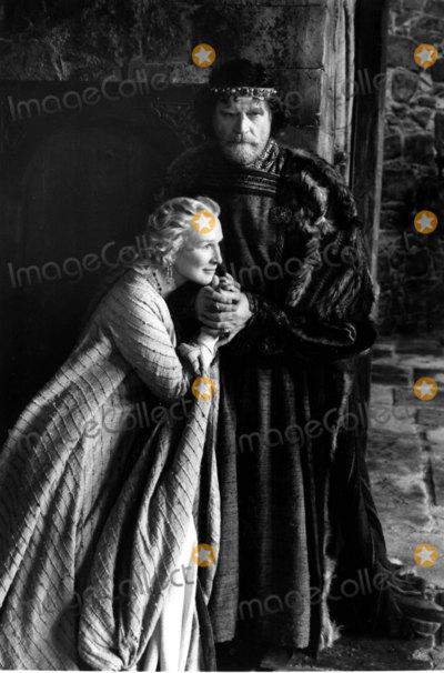 Alan Bates Photo - Hamlet Tv Film Still Supplied by Globe Photos Inc Alan Bates and Glenn Close Alanbatesretro