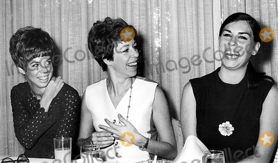 Vicki Lawrence Photo - Vicki Lawrence Carol Burnett and Her Sister Sylvia NorrisGlobe Photos Inc Carolburnettretro