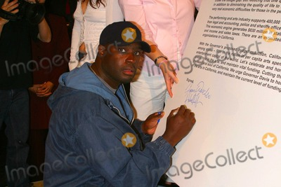 Antwone Fisher Photo - Arts Community Leaders Urge Governor and Legislators Against Slashing Statewide Arts Programs in California - the Actors Gang Theatre Hollywood CA - 06232003 - Photo by Milan Ryba  Globe Photos Inc 2003 Antwone Fisher
