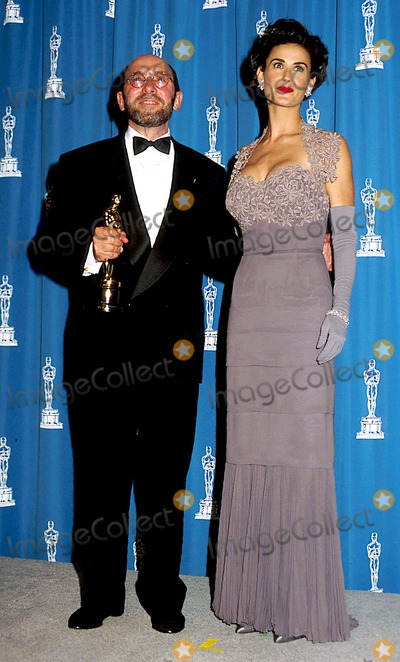 Albert Wolsky Photo - Academy Awards  Oscars Albert Wolsky and Demi Moore Photo Byphil RoachipolGlobe Photos Inc