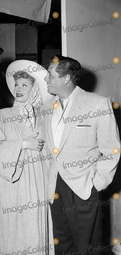 Desi Arnaz Photo - Desi Arnaz and Lucille Ball on the I Love Lucy Set Phoot by Globe Photos Inc