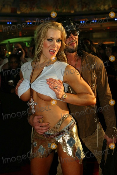 Joanie Laurer Photo - Joanie Laurer (Aka Wrestler Chynna) Billboard Music Awards Bash Studio 54 Mgm Grand Casino  Hotel Las Vegas 12082002 Photo by Alec MichaelGlobe Photos Inc 2002