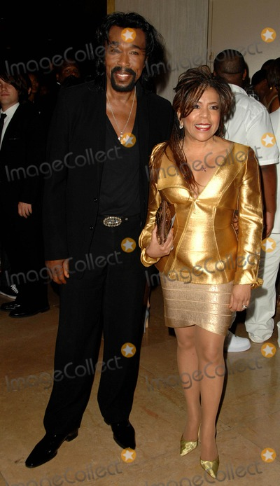 Ashford and Simpson Photo - Nick Ashford Valerie Simpson attends the Ascaps 22nd Annual Rhythm  Soul Awards Held at the Beverely Hilton Hotel in Beverly Hills California on June 26 2009 Photo by David Longendyke-Globe Photos Inc 2009