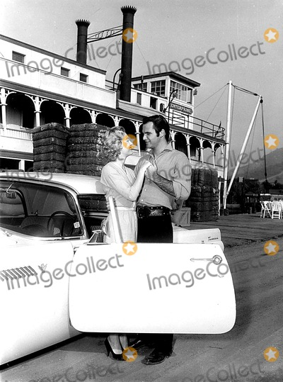 Burt Reynolds Photo - Burt Reynolds and Lori Nelson Nov 15 1960 Globe Photos Inc
