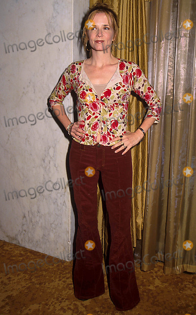Lea Thompson Photo - 1302- Beverly Hills CA Lullabies  Luxuries Fashion Show Benefit at the Beverly Hills Wilshire Hotel Phil Roach Ipol  Globe Photos Inc I7079pr Lea Thompson